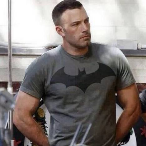 ben-affleck-batman-t-shirt.jpg.pagespeed.ce.CFzQ-uTIK_