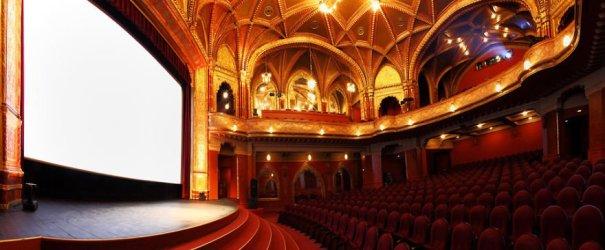 Urania-National-Film-Theatre-Budapeste-Hungria-Imagem-ak17