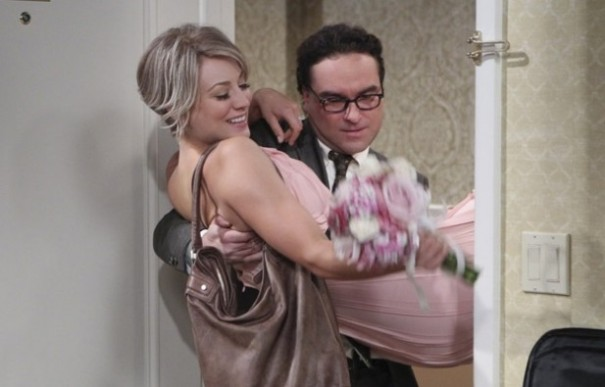 Johnny_Galecki_Kaley_Cuoco_Big_Bang2-617x395